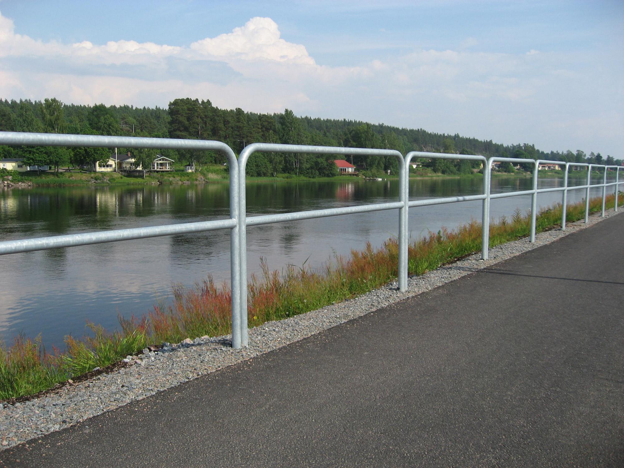 Räcke, staket och skydd saferoad smekab ab