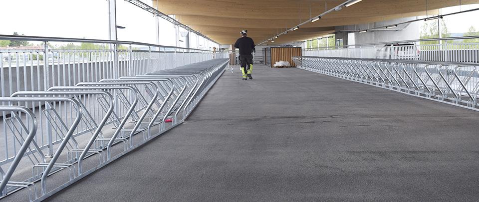 CS cykelställ i parkeringhuset i Lerum