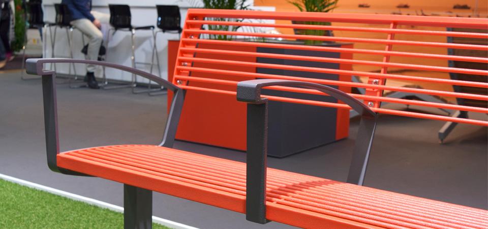 Saferoad Smekabs monter på Elmia Park 2015: Intervera Tillgänglighetsanpassad parkmöbel.