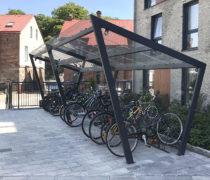 EDGE Cykeltak, HL cykelställ, OPTI räcke. Kvarteret Borgen i Halmstad.
