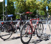 Linköping Resecentrum cykelparkering, Linköping. CS cykelställ med hjulhållare och ramlåsning. Smekab Citylife.